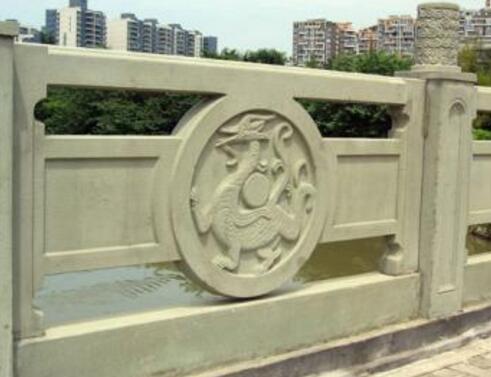铸造石栏杆一般是怎么做的?有什么有点呢?