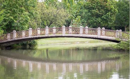 古代的桥梁栏杆是什么样子的